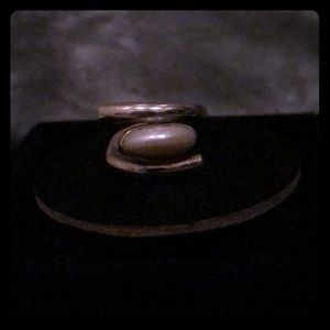 Lilly Barrack Ring - size 8